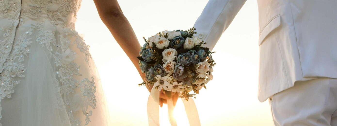 Wedding arrangements that are organized from Nostos Apartments in Oia Santorini
